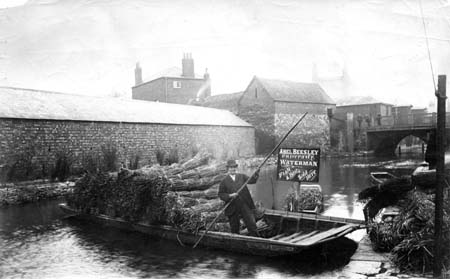 Punting on the Oxford canal